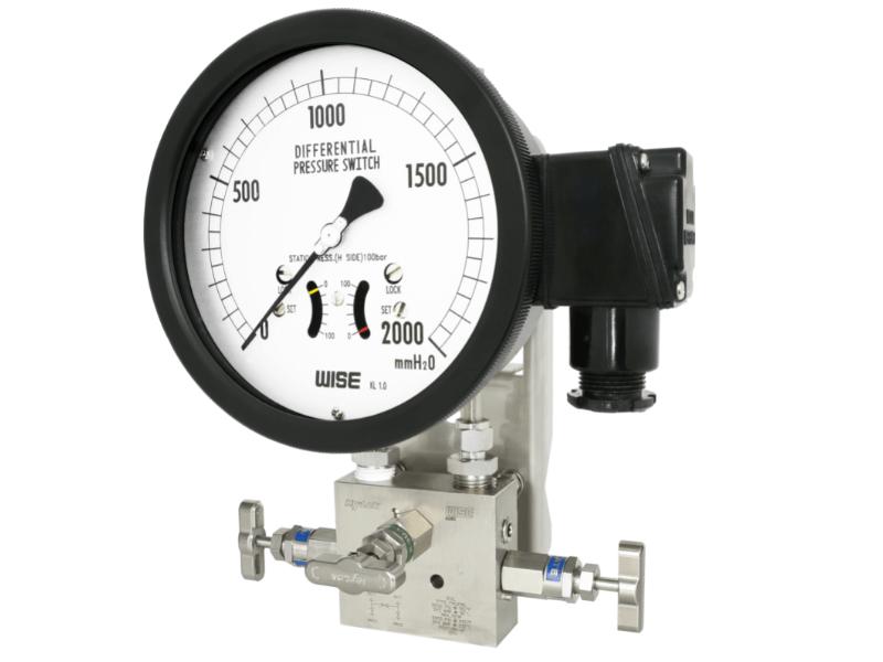 đồng hồ chênh áp P640 2